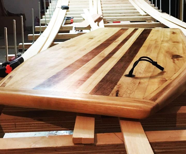 Tabla de surf  Artesanal madera Paulownia